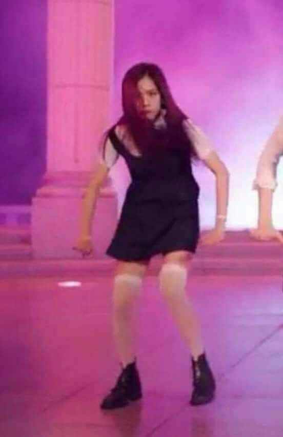 let me fight jisoo meme